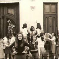 1975-10-26-Kermesse Plaza Iglesia